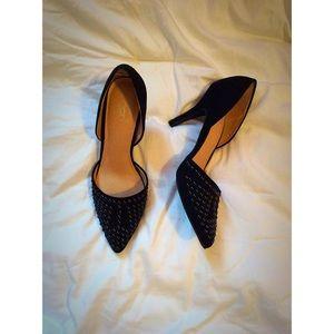 ✨FINAL SALE✨Black Studded Heels