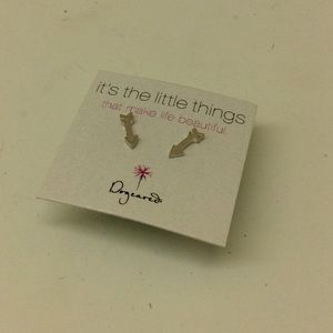 Dogeared Jewelry - dogeared its the little things earring