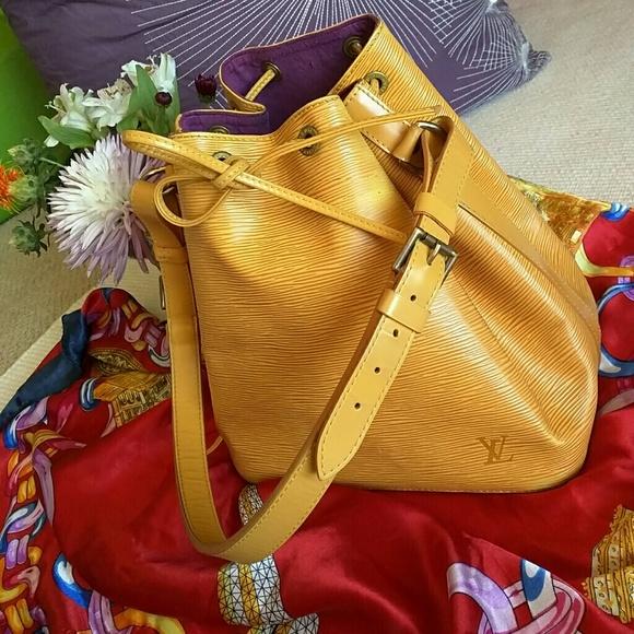 73f0f475569e Louis Vuitton Handbags - Auth vintage Louis Vuitton Epi Petit Noe Yellow
