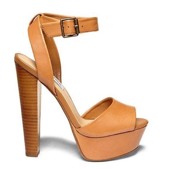Steve Madden Tan Platform Heels Sandals