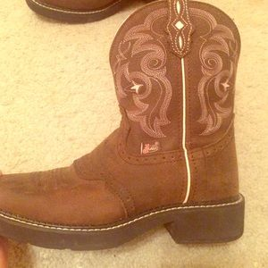 Boots - Justin boots