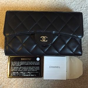 CHANEL authentic lambskin quilted L flap wallet