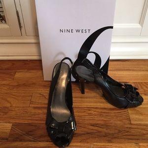 Patent leather sling back heel. Nine west Size 9