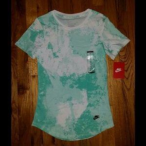Nike Tee Athletic Cut Green/White XS - NWT