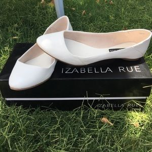 Shoes - Izabella Rue flats 💥read description💥