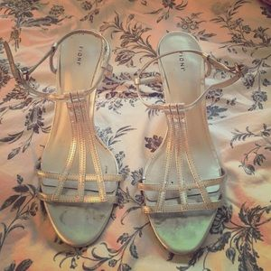 FIONI Clothing Shoes - Silver Strappy Heels