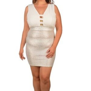 Dresses & Skirts - 🆕Sexy white & shimmer dress