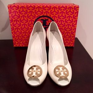 New! Tory burch peep toe wedge sz 8