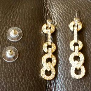 Jewelry - Gold tone elongated earings