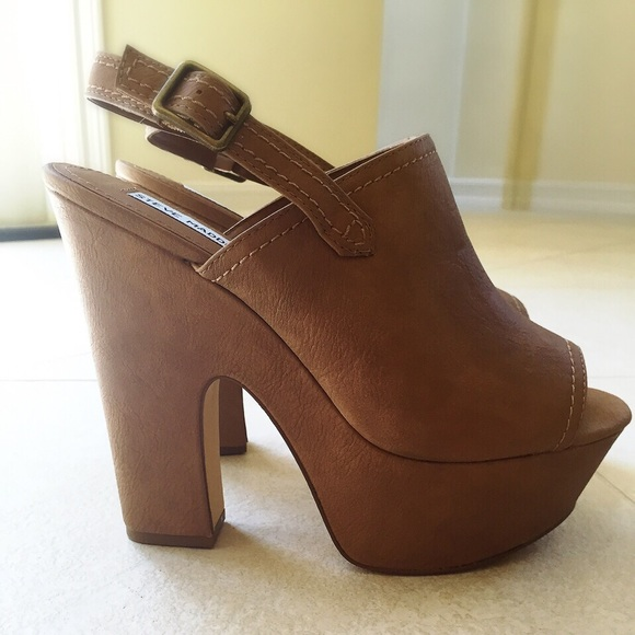 SALE TONIGHT ONLY Steve Madden Chunky Heel wedge