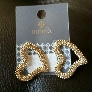 Jewelry - Heart shaped earings