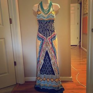 NWT printed halter maxi dress. Sz L