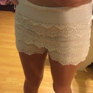 Trendy Lace Patterned Shorts