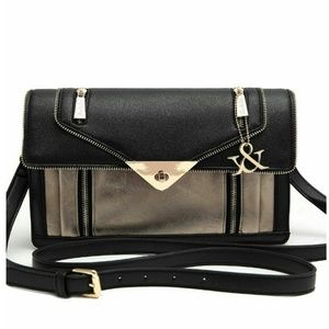 Hue & Ash Messenger Bag ~ chic and trendy