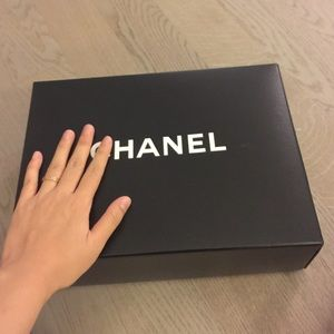 Chanel Le boy bag 's box