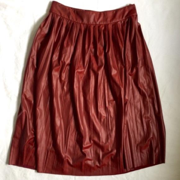zara zara burgundy faux leather pleated skirt from
