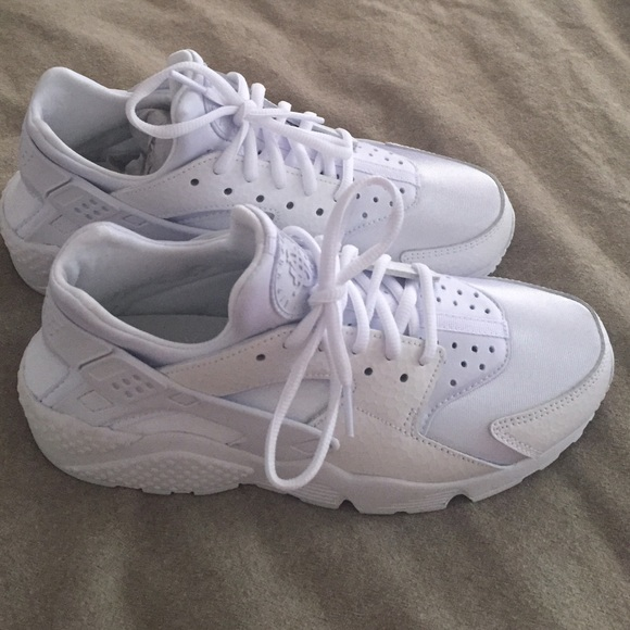 618d99df69c NIKE WMMS HUARACHE all white