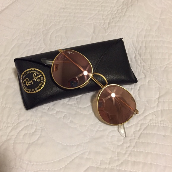 12 off ray ban accessories ray ban round flash rose gold sunglasses from robi 39 s closet on. Black Bedroom Furniture Sets. Home Design Ideas