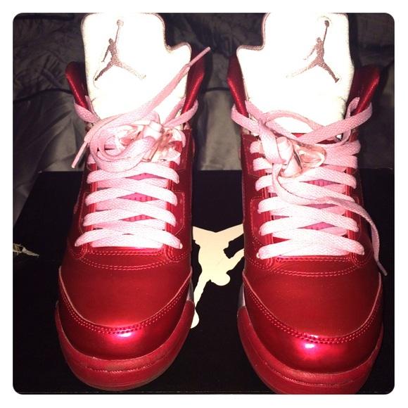 85543e471bd3 Jordan Shoes - BUNDLE DEAL Air Jordan 5 retros   red sweatshirt.