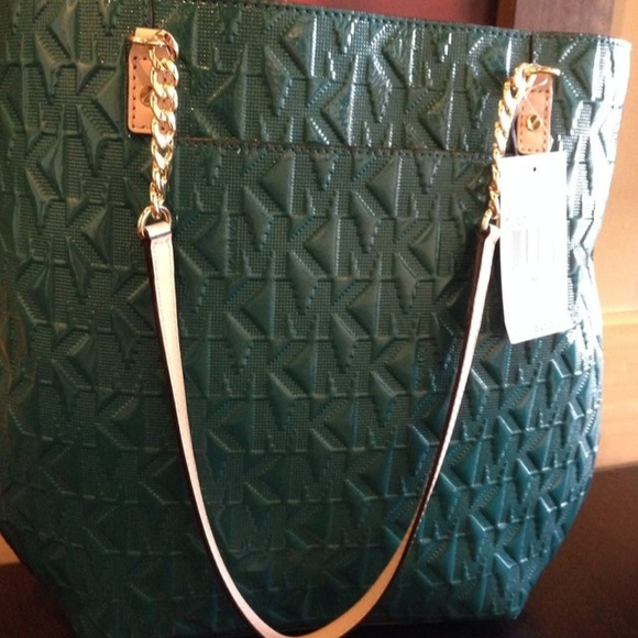 270af1498cc2 Michael Kors Jet Set Chain Handbag in deep green