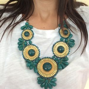Jewelry - Bib Statement necklace