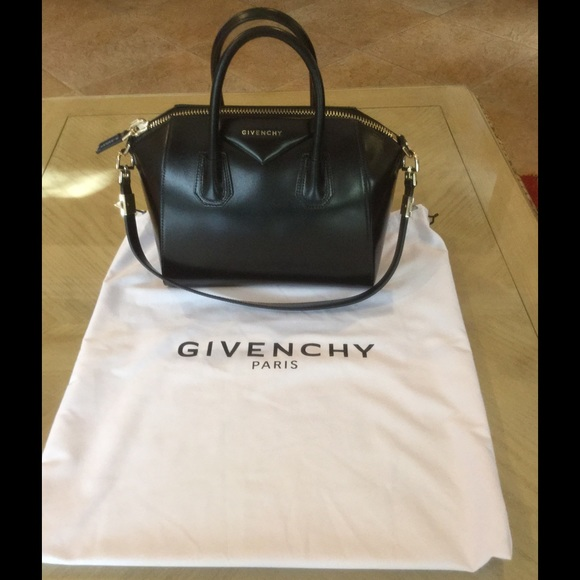 cb9f4fed7b 100% Authentic Black Givenchy Antigona GHW