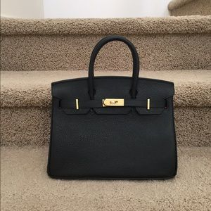 kelly hermes - house of hello Handbags on Poshmark