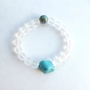 Jewelry - Clear glass beads w/ semi turquoise bracelet