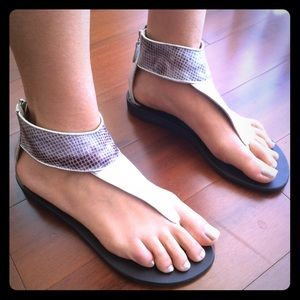 Zingara Shoes - Silver Leather Thong Ankle Sandals by Zingara