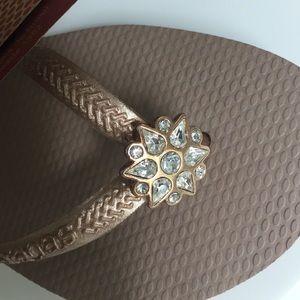 58d027d4f87b40 Havaianas Shoes - Rose gold with diamond flower gem