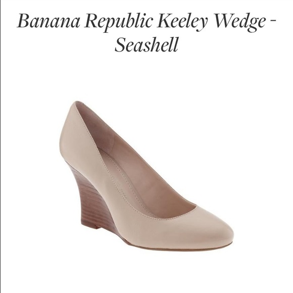 Shoes. Wedges. Banana Republic Wedges. Banana Republic Wedges. Items. Filter. Sort By. Follow ing Search Banana Republic Tan and Gold Strappy Wedges. $ $ US Banana Republic.