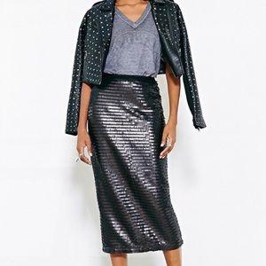 Reserved 💗 NWOT Sequin Midi Skirt
