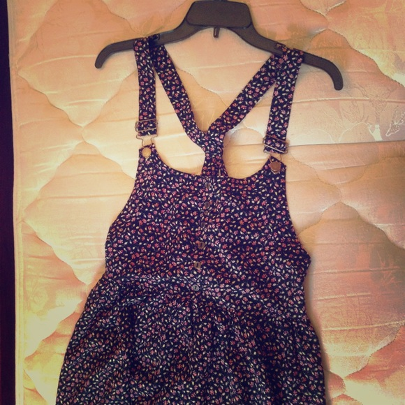 a64a6fc0ee Xhilaration (Target) Brand Flowered Overall Dress.  M 5584659d2bbdeb58fe0049ea