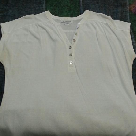 56 off liz claiborne tops liz claiborne shirt bundle for Liz claiborne v neck t shirts