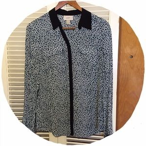 LOFT Tops - ✴️FINAL $✴️ LOFT Blue Dotted Button Blouse