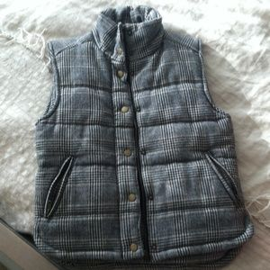 Wool puffy houndstooth vest