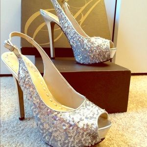 Silver, sequined Enzo Angiolini sling back pumps