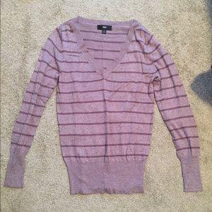 V-Neck striped light sweater!