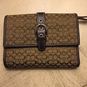 Coach Signature Brown Buckle Wallet!