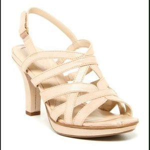 Delma Naturalizer Heels in Taupe