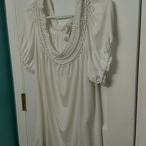 Tops - Cream plus size top nwot