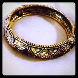 😍2x HP 👯Dazzling gold tone bangle HP 😍🎉 💋💋