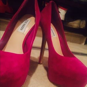 Magenta Steve Madden suede platform heels