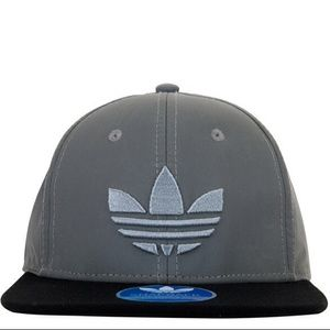 3daf1fd8a2a Adidas Accessories - FLASHSALE⚡️Adidas Mixed 3M Reflective Snapback Hat