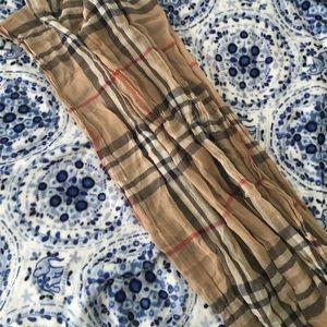 Lord & Taylor Accessories - Nova check scarf