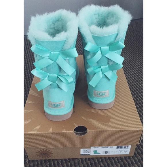 f41b8d0f859 Bailey Bow Ugg - Mint / Aqua / Tiffany Blue NWT