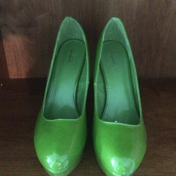 38 off qupid shoes ��� lime green qupid platform heels