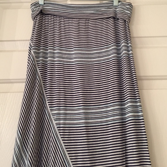 90 max studio dresses skirts sold navy and