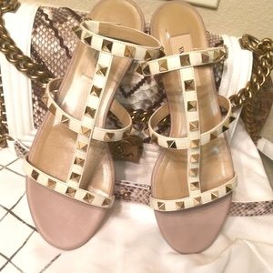 Valentino Shoes - ⚡️FLASH📢SALE⚡️Valentino ROCK STUD sandals
