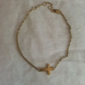 Jennifer Zeuner Jewelry - Jennifer Zeuner Gold Cross Bracelet $30 🅿️🅿️
